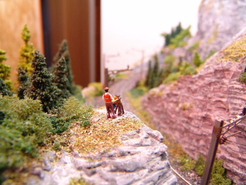 die Vermesser unterwegs in der Landschaft